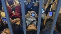 Információs portállal segíti a Google a migránsokat kép