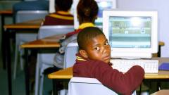 Az űrből szórja a netet Afrikának a Facebook kép