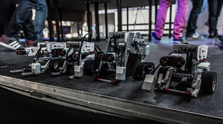 Tömegeket vonzott az első Robotcsata kép