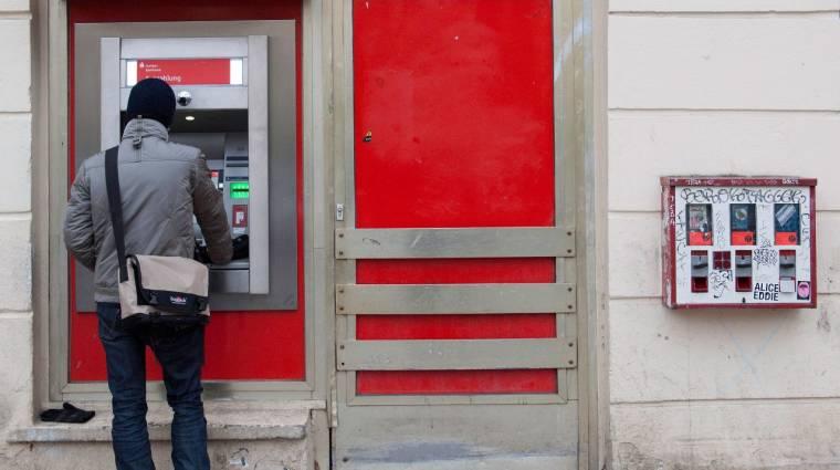 Jön a mobillal való ATM-es pénzfelvétel kép