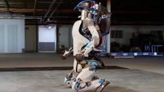 Így kínoz a Google egy kétlábú, 80 kilós robotot kép
