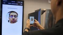 Szelfis hitelesítéssel erősít a MasterCard kép