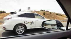 Történelmi pillanat: balesetet okozott a Google robotautója kép