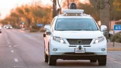 Még több városban köröznek a Google robotautói kép