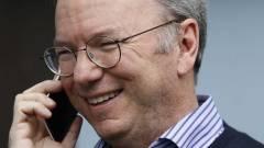 Eric Schmidt bevallotta, hogy iPhone-ja van kép