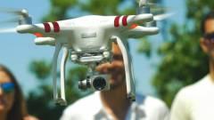 Bámészkodó nő fejére zuhant az elszabadult drón kép