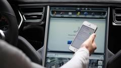 Ezért veszélyes kihangosítóval mobilozni az autóban kép