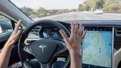 Megőrültek a Tesla-tulajok, vizsgálják a halálos balesetet kép