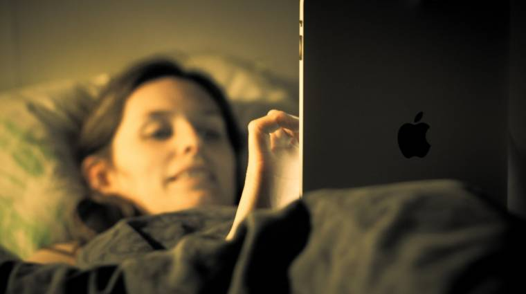 Teljes gőzre kapcsol az Apple Night Shift kép