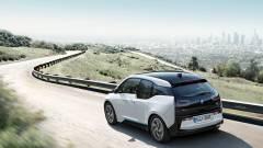 Mától lehet pályázni az elektromos autós támogatásra kép