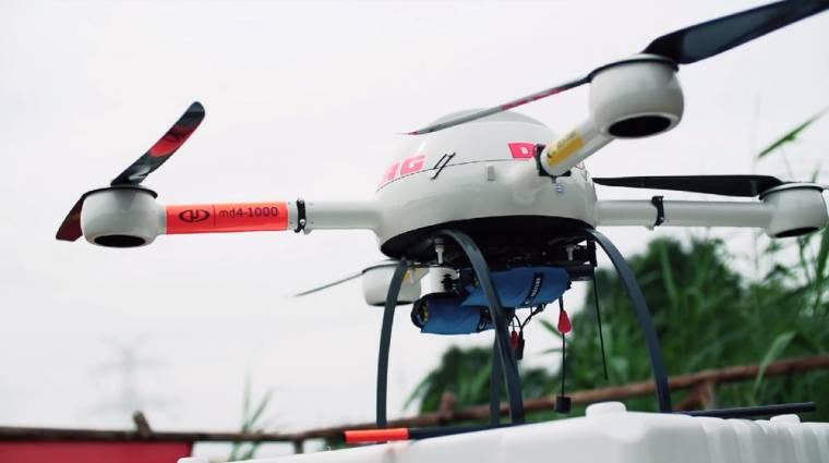 Drónnal mentenék meg a bajba került úszókat kép