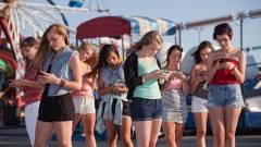 Komoly nyakproblémákhoz vezet az okostelefon-használat kép