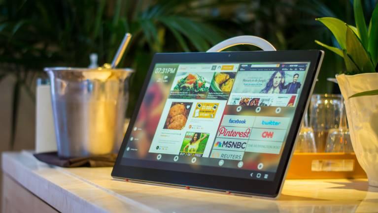 Alcatel Xess - gigantikus tablet a konyhában fókuszban