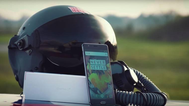 Így még nem bontottak ki okostelefont - itt a OnePlus 3T kép