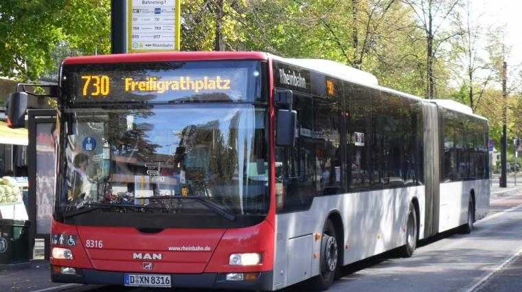 Ingyen buszjegy jár a reklámokért kép