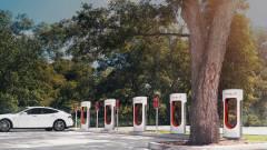 Büntet a Tesla, ha feleslegesen foglalod a töltőállomást kép