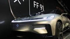 Bombasiker a Faraday Future elektromos autója kép