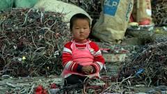 Ázsia belefullad az elektronikus szemétbe kép
