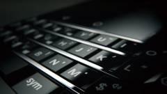 Videón a következő billentyűzetes BlackBerry kép
