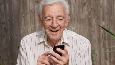 Egyre több idős embernek van okostelefonja
