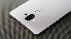 A Huawei Mate 10 odacsap az iPhone 8-nak kép