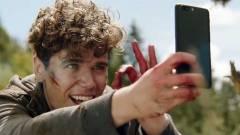 Durva lett a OnePlus 5 új reklámja kép