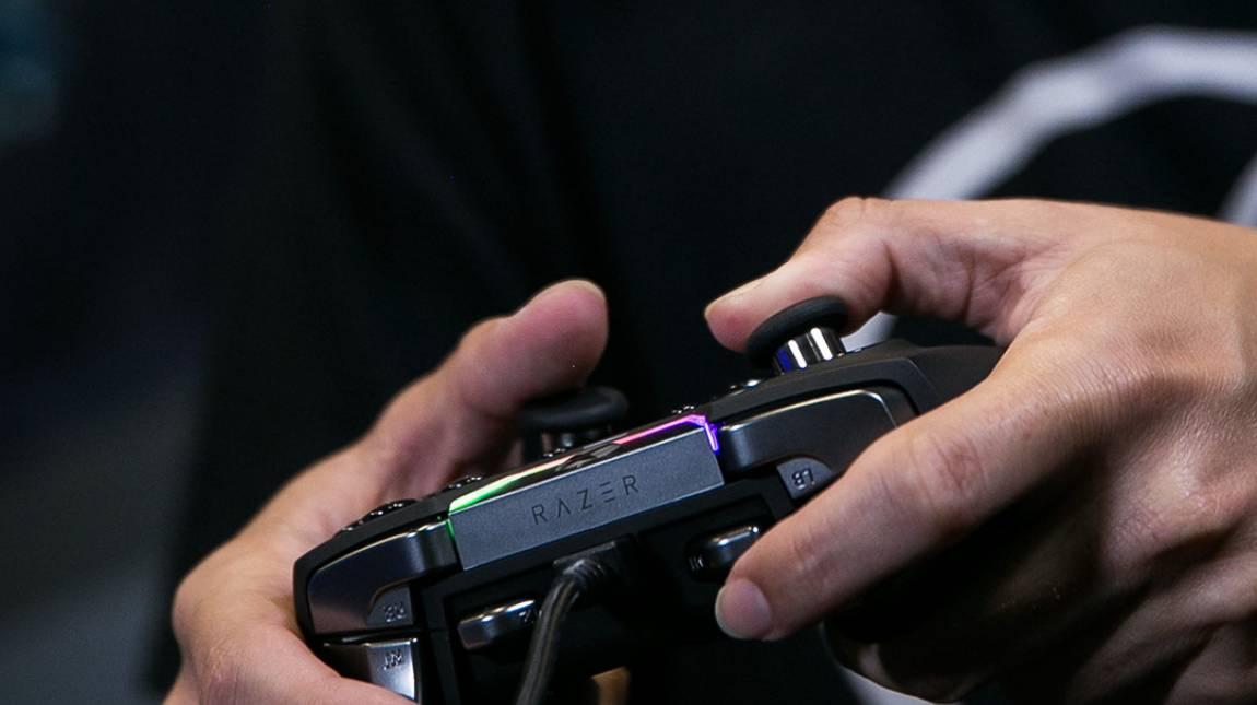 Razer: gamer kézbe gamer kütyüt kép