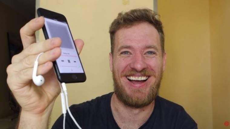 Ebben az iPhone 7-ben jackcsatlakozó is van kép