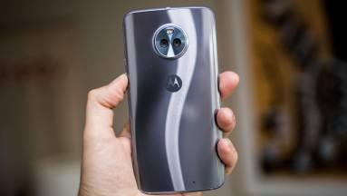 A középkategória krémje a Moto X4 kép