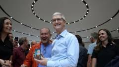Tim Cook már iPhone X-et használ kép