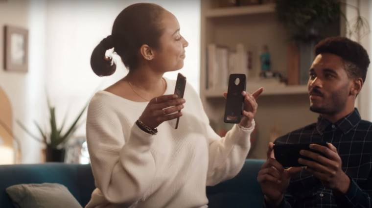 A Motorolának tetszett a Samsung reklámja kép