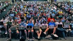 Ezért rossz ötlet laptopot vinni egy előadásra kép
