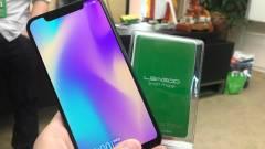Itt az androidos iPhone X-klón kép