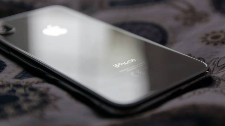 Több száz iPhone X alkalmatlan a telefonálásra kép