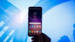 6,44 hüvelykes lehet a tripla kamerás Galaxy S10 kép