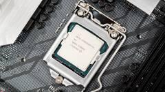 7,34 GHz-en ketyegett egy Core i7-8700K kép