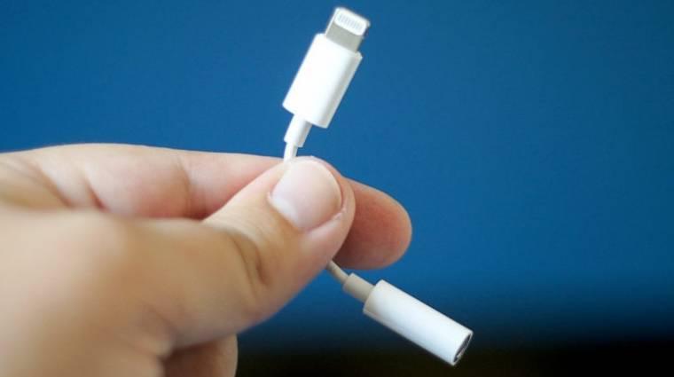 Már a jackcsatlakozós adaptert is kispórolhatja a dobozból az Apple kép