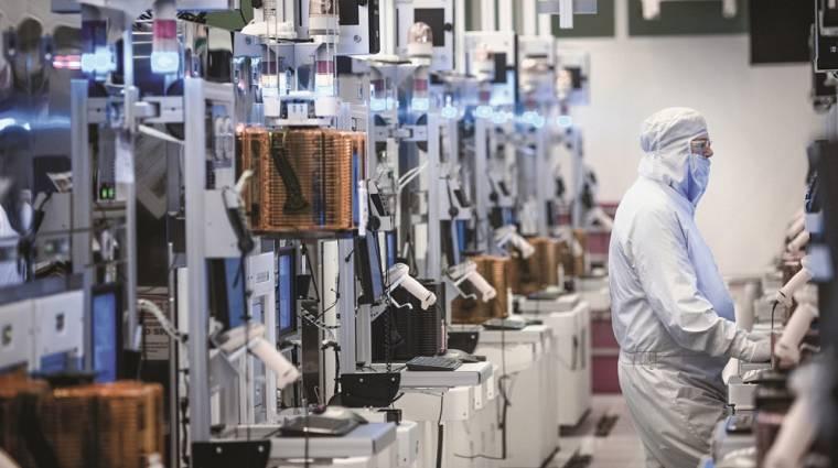 Elképesztő húzásra kényszerült az Intel a processzorhiány miatt kép