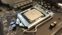 5,3 GHz-re húzták a Core i7-9700K-t kép
