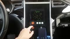 Klasszikus játékok és fedélzeti kamera az új Tesla szoftverben kép