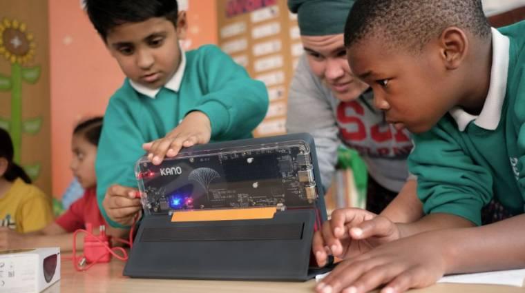 Itt a windowsos DIY tablet gyerekeknek kép
