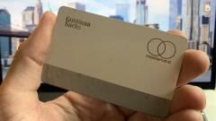 Elszíneződhet a titán Apple Card kép