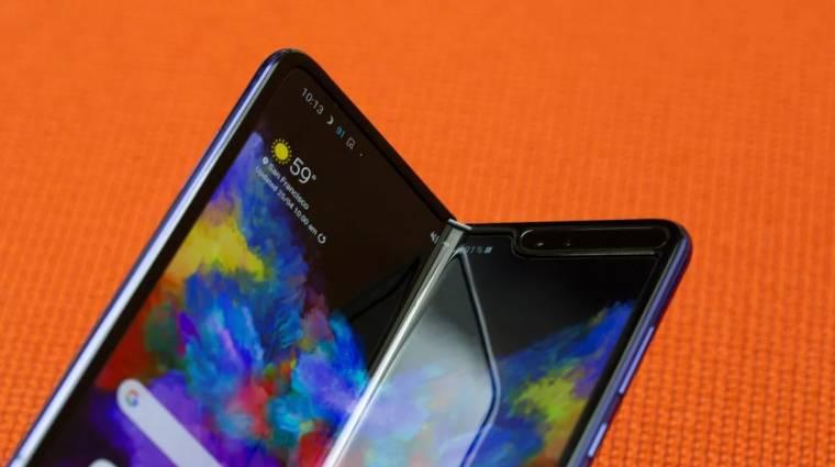 Az iPhone 11-gyel egyszerre jelenhet meg a Samsung összehajtható mobilja kép