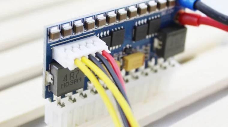 56 milliméteres tápegységet villantott a PicoBox kép