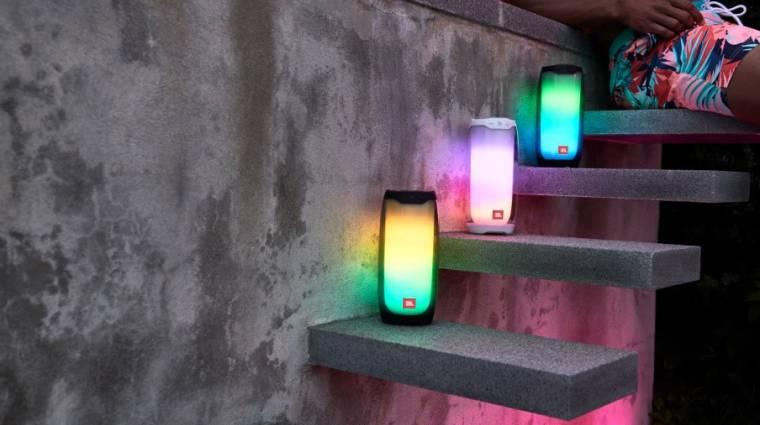 LED-es lett a JBL Pulse 4 hangszórója kép
