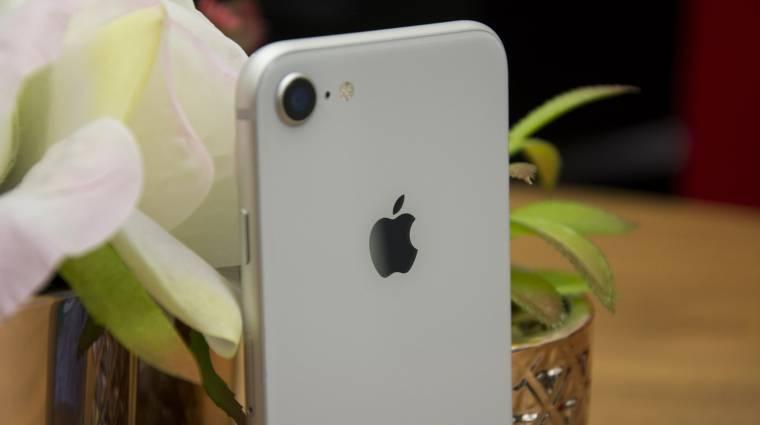 Olcsó és közönségkedvenc mobillal újíthat az Apple kép