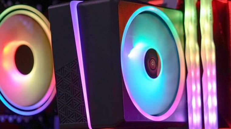 Jócskán világít az AeroCool új processzorhűtője kép